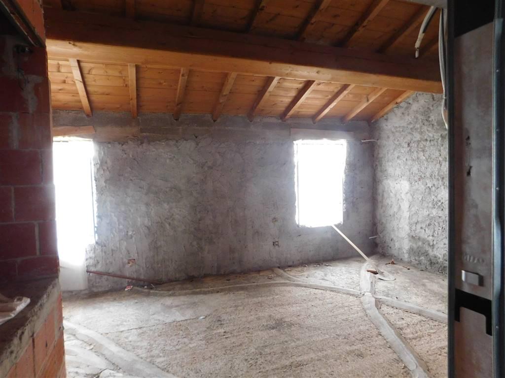 Soluzione Indipendente in vendita a Montecatini-Terme, 4 locali, prezzo € 110.000 | Cambio Casa.it