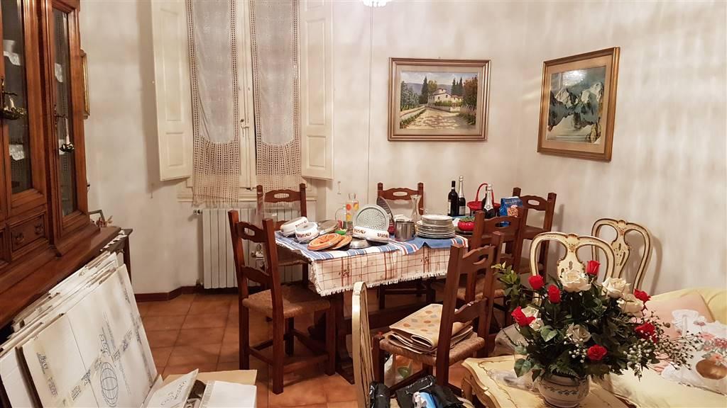 Appartamento in vendita a Lastra a Signa, 5 locali, prezzo € 170.000 | CambioCasa.it
