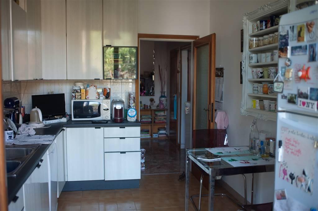 Appartamento in vendita a Firenze, 3 locali, zona Zona: 19 . Poggio imperiale, Porta Romana, Piazzale Michelangelo, prezzo € 235.000 | CambioCasa.it
