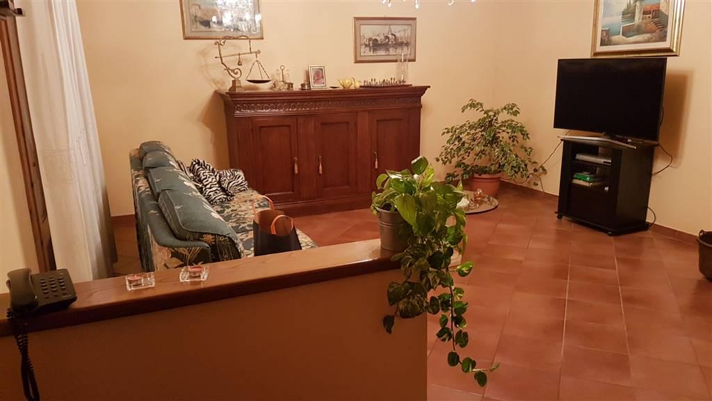 Villa a Schiera in vendita a Poggio a Caiano, 5 locali, zona Zona: Poggetto, prezzo € 380.000 | Cambio Casa.it