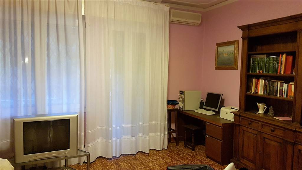Appartamento in affitto a Firenze, 4 locali, zona Zona: 4 . Cascine, Cintoia, Argingrosso, L'Isolotto, Porta a Prato, Talenti, prezzo € 850 | Cambio Casa.it