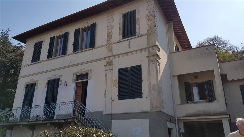 Villa in vendita a Lastra a Signa, 7 locali, zona Zona: Ponte a Signa, Trattative riservate | CambioCasa.it