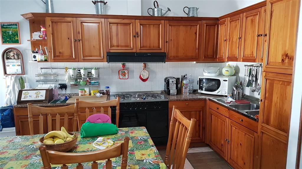 Appartamento in vendita a Lastra a Signa, 4 locali, zona Zona: Porto di Mezzo, prezzo € 155.000 | CambioCasa.it