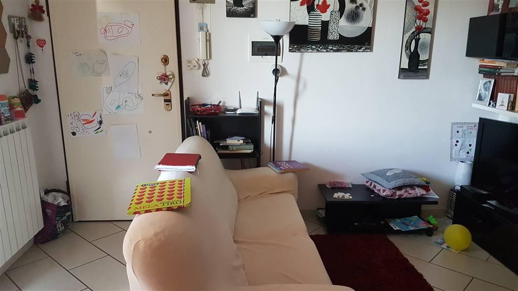 Appartamento in vendita a Campi Bisenzio, 4 locali, zona Zona: Sant'Angelo a Lecore, prezzo € 200.000 | CambioCasa.it