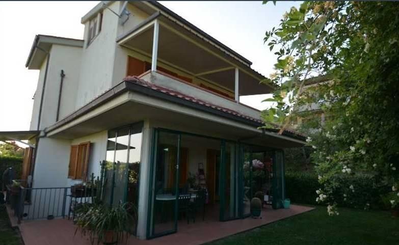 Villa in vendita a Impruneta, 8 locali, prezzo € 450.000 | CambioCasa.it