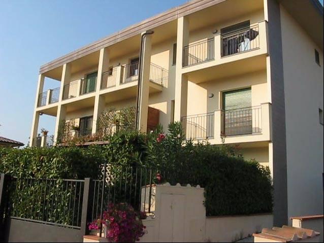 Appartamento in vendita a Lastra a Signa, 3 locali, prezzo € 160.000 | CambioCasa.it