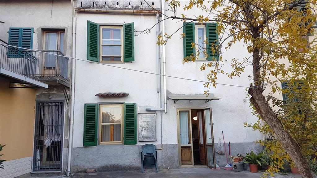 Soluzione Indipendente in vendita a Campi Bisenzio, 9 locali, zona Zona: Sant'Angelo a Lecore, prezzo € 195.000 | CambioCasa.it