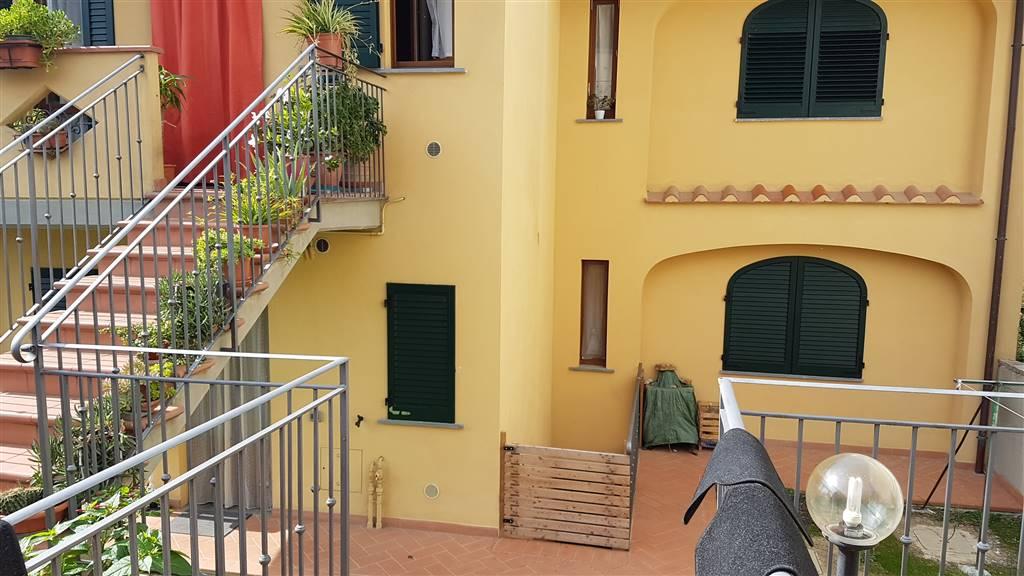 Appartamento in affitto a Carmignano, 4 locali, zona Zona: Comeana, prezzo € 700 | CambioCasa.it