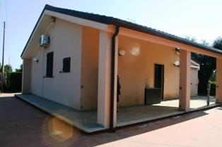 Villa in vendita a Mesagne, 3 locali, prezzo € 148.000 | Cambio Casa.it