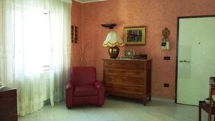 Appartamento in vendita a Mesagne, 4 locali, zona Località: CENTRO, prezzo € 130.000 | Cambio Casa.it