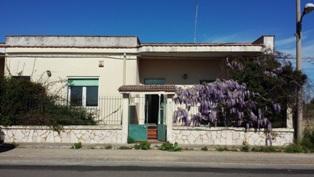 Soluzione Indipendente in vendita a Mesagne, 6 locali, zona Località: SANTA ROSA, prezzo € 80.000 | Cambio Casa.it