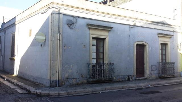 Soluzione Indipendente in vendita a Mesagne, 11 locali, zona Località: SANT'ANTONIO, prezzo € 170.000 | Cambio Casa.it