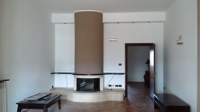 Soluzione Indipendente in vendita a Mesagne, 6 locali, prezzo € 139.000 | Cambio Casa.it