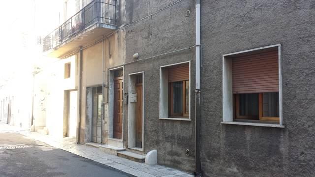Soluzione Indipendente in vendita a Mesagne, 4 locali, zona Località: PORTA PICCOLA, prezzo € 70.000 | Cambio Casa.it