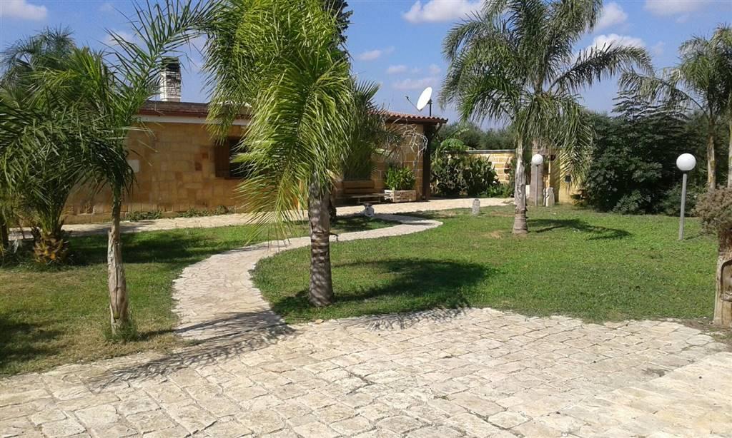 Villa in vendita a Mesagne, 5 locali, zona Località: C.DA RINELLA, prezzo € 98.000 | Cambio Casa.it