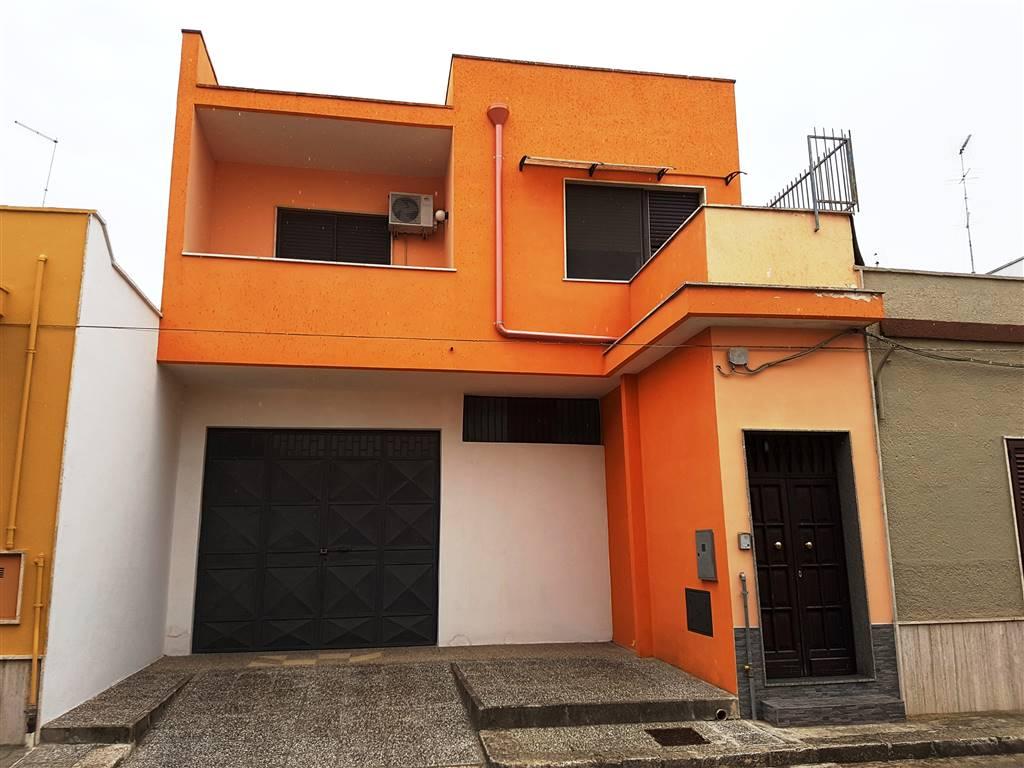 Appartamento in vendita a Mesagne, 4 locali, zona Località: SANT'ANTONIO, prezzo € 90.000 | CambioCasa.it