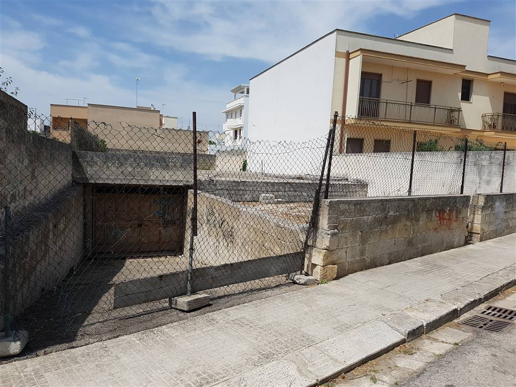 Box / Garage in vendita a Mesagne, 1 locali, zona Località: MATERDOMINI, prezzo € 110.000 | CambioCasa.it