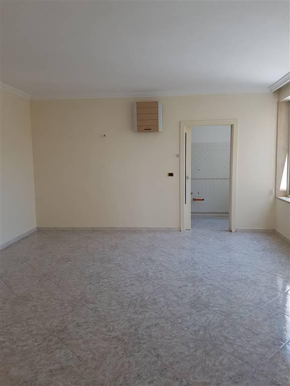 Appartamento in affitto a Mesagne, 6 locali, zona Località: PARCO, prezzo € 480 | Cambio Casa.it