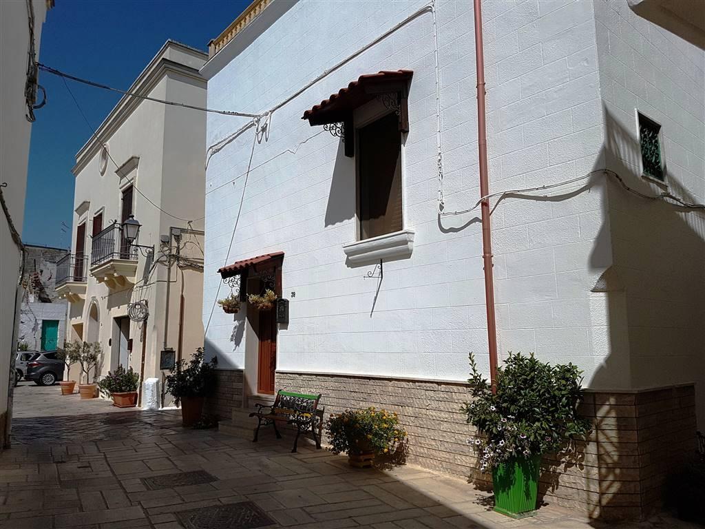 Soluzione Indipendente in vendita a Mesagne, 5 locali, zona Località: CENTRO STORICO, prezzo € 158.000 | CambioCasa.it