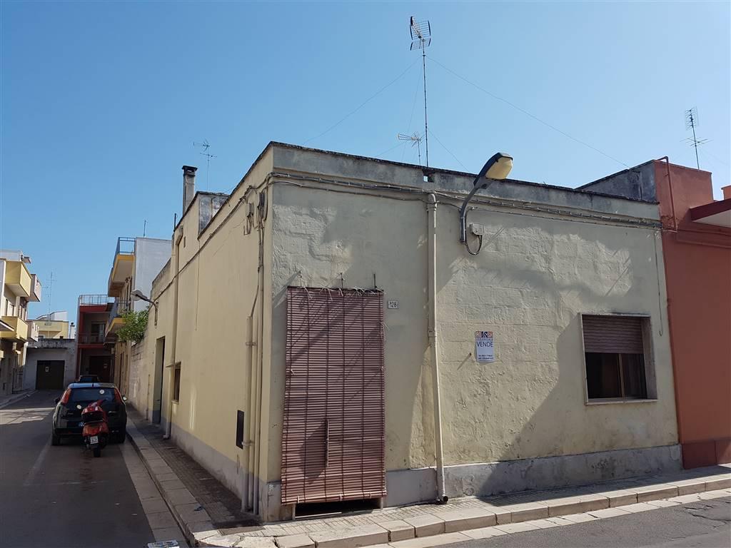 Soluzione Indipendente in vendita a Mesagne, 6 locali, zona Località: PARCO, prezzo € 55.000 | CambioCasa.it