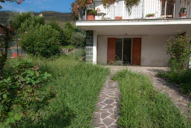 Soluzione Indipendente in vendita a Levanto, 6 locali, zona Località: PERIFERIA, prezzo € 280.000 | Cambio Casa.it