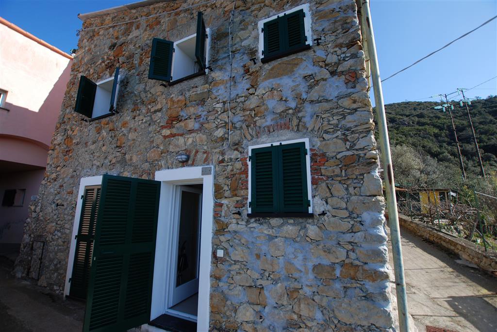 Soluzione Indipendente in affitto a Bonassola, 4 locali, zona Zona: San Giorgio, prezzo € 450 | Cambio Casa.it