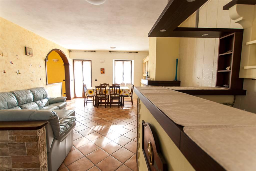 Appartamento in vendita a Rocchetta di Vara, 8 locali, zona Zona: Suvero, prezzo € 90.000   Cambio Casa.it