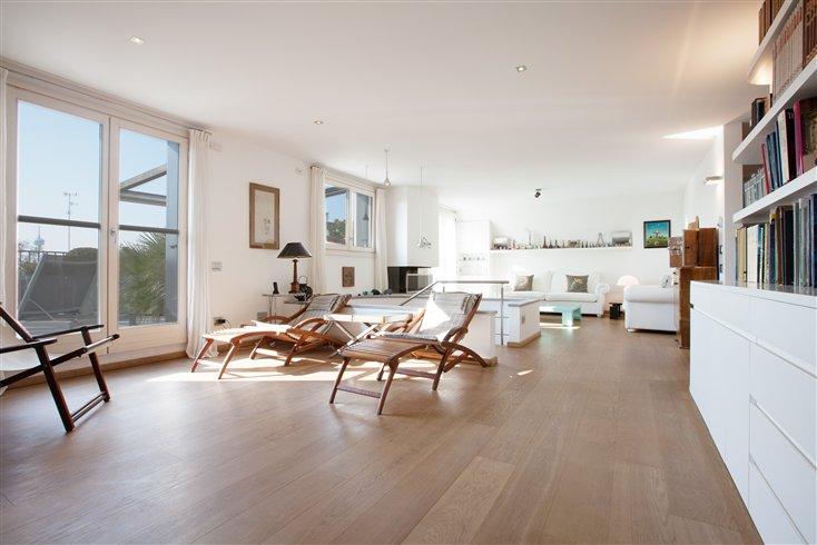 Attici in vendita a milano annunci immobiliari for Appartamenti design milano affitto
