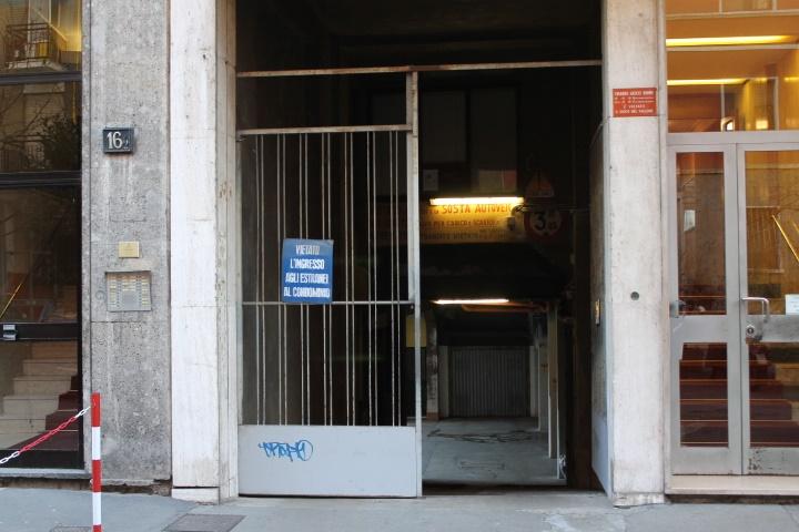 Magazzino in Affitto a Milano: 1 locali, 496 mq