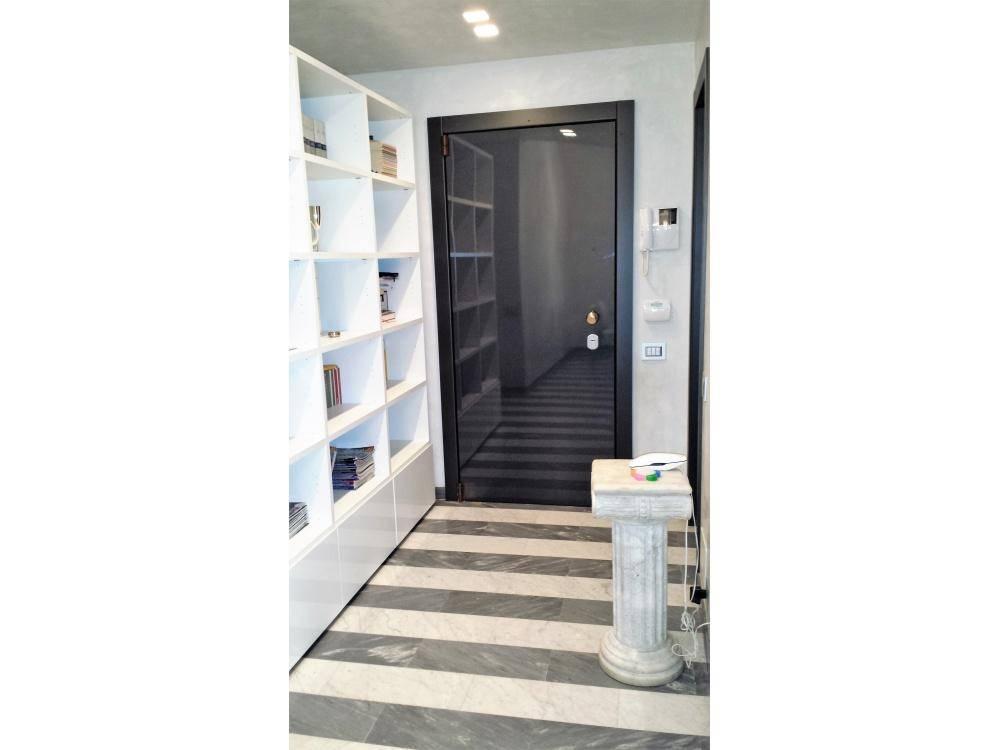 Appartamento in Vendita a Milano 17 Marghera / Wagner / Fiera:  5 locali, 110 mq  - Foto 1