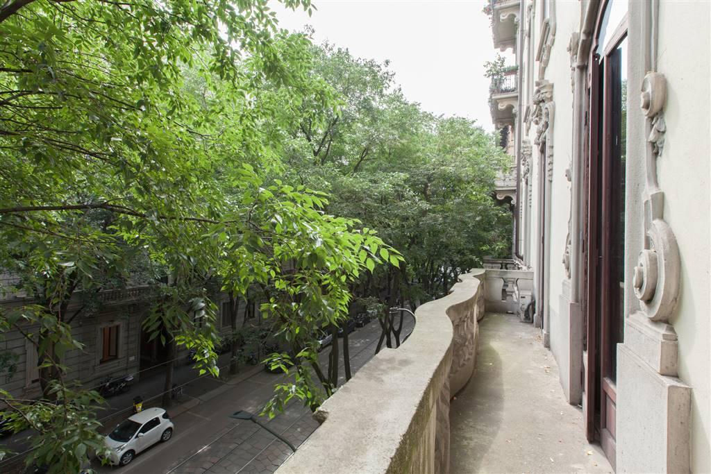 Appartamento in Vendita a Milano: 5 locali, 298 mq - Foto 2