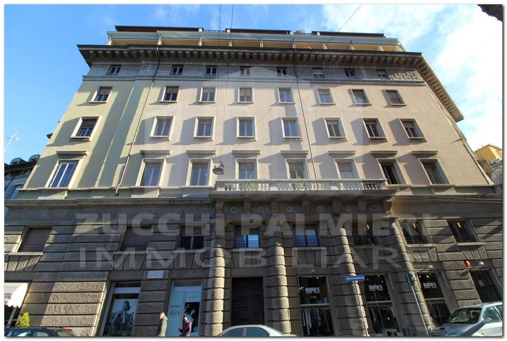Appartamento in Affitto a Milano 01 Centro storico (Cerchia dei Navigli): 4 locali, 169 mq
