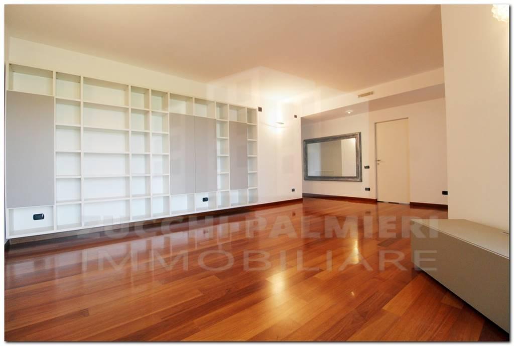 Appartamento in Vendita a Milano: 4 locali, 130 mq - Foto 1