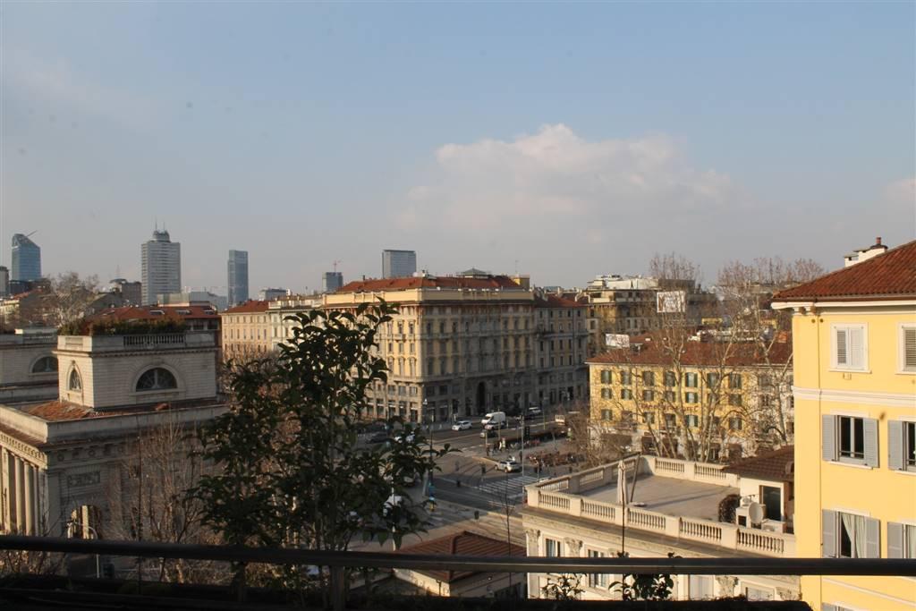 Appartamento di lusso in vendita a milano trovocasa for Piani distaccati di posti auto coperti