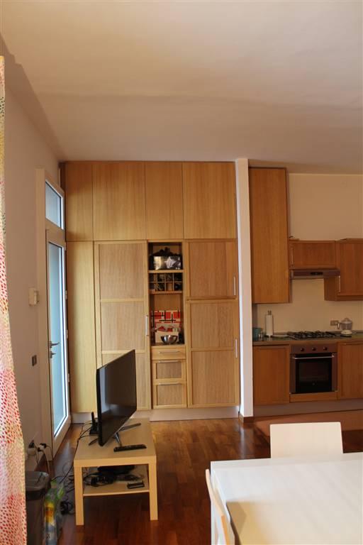 Appartamento in Affitto a Milano 01 Centro storico (Cerchia dei Navigli): 2 locali, 70 mq
