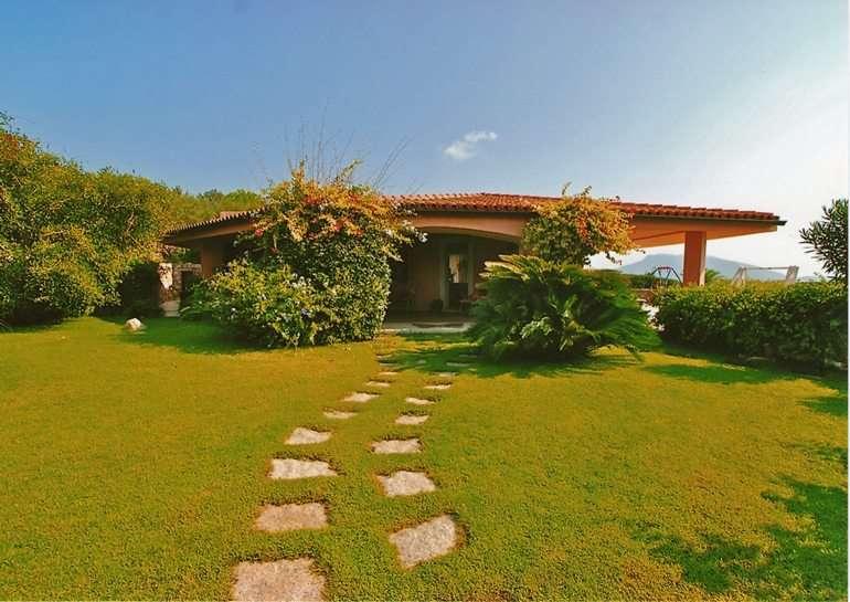 Villa in vendita a Golfo Aranci, 5 locali, zona Zona: Sos Aranzos , Trattative riservate | CambioCasa.it