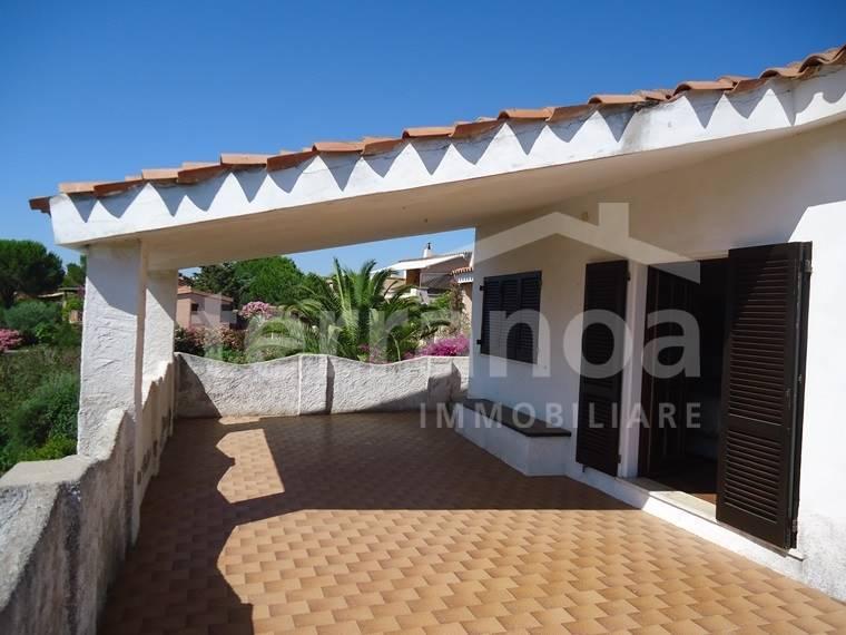Villa in vendita a Golfo Aranci, 5 locali, zona Zona: Baia Caddinas, prezzo € 450.000 | CambioCasa.it