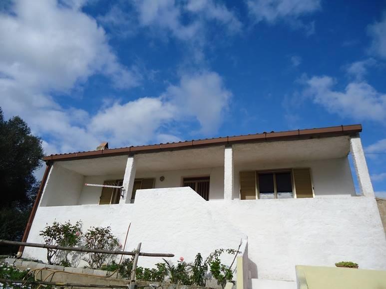 Soluzione Indipendente in affitto a Olbia - Porto Rotondo, 2 locali, zona Zona: Olbia città, prezzo € 350 | Cambio Casa.it