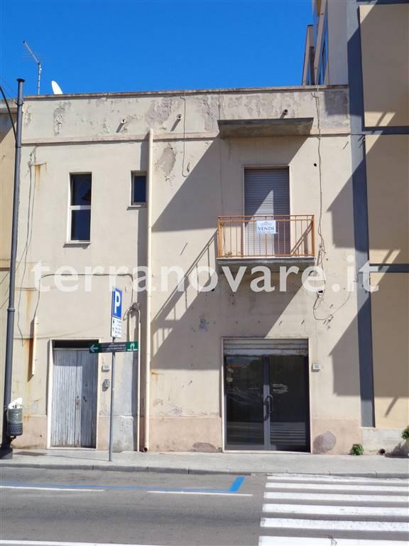 Attività / Licenza in vendita a Olbia - Porto Rotondo, 2 locali, zona Località: VIALE ALDO MORO, prezzo € 90.000   CambioCasa.it