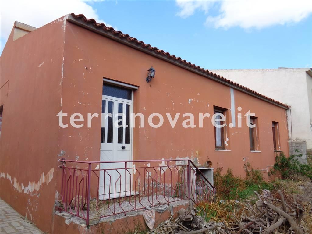 Soluzione Indipendente in vendita a Olbia - Porto Rotondo, 6 locali, zona Località: VIALE ALDO MORO, prezzo € 135.000 | CambioCasa.it