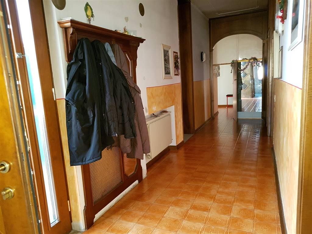Appartamento in vendita a Zanè, 8 locali, zona Località: CAMPAGNE, prezzo € 130.000 | CambioCasa.it
