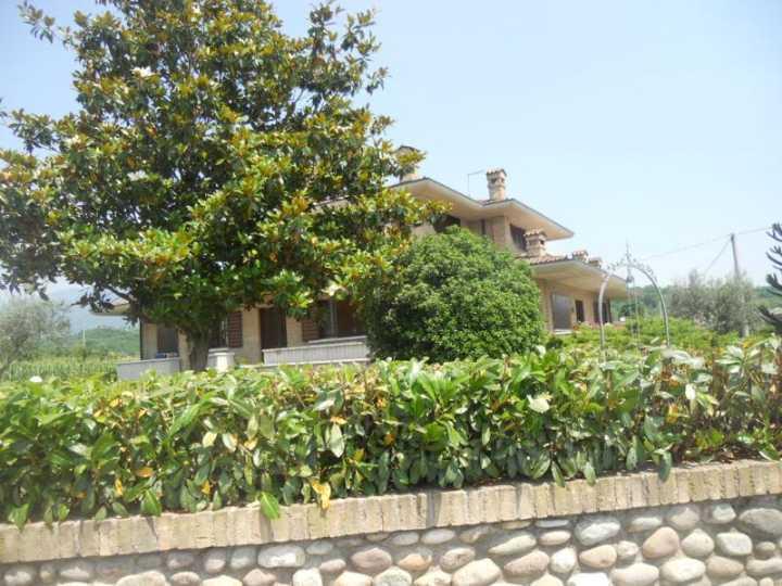 Villa Bifamiliare in affitto a Zugliano, 1 locali, zona Zona: Centrale, prezzo € 800 | CambioCasa.it