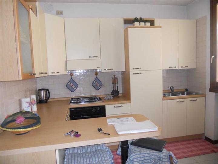 Appartamento in affitto a Thiene, 4 locali, zona Località: CONCA, prezzo € 450 | CambioCasa.it