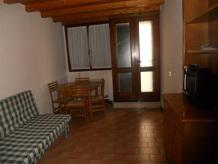 Appartamento in affitto a Thiene, 3 locali, zona Località: CENTRO, prezzo € 420 | CambioCasa.it
