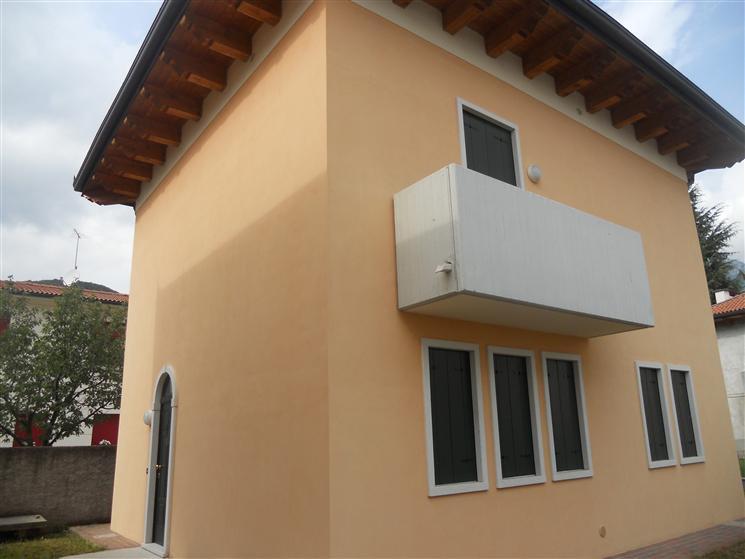 Soluzione Indipendente in vendita a Piovene Rocchette, 6 locali, zona Località: CENTRO, prezzo € 360.000 | CambioCasa.it