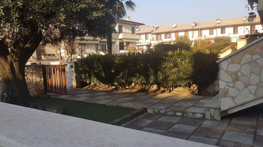 Villa a Schiera in vendita a Zanè, 8 locali, prezzo € 215.000 | Cambio Casa.it