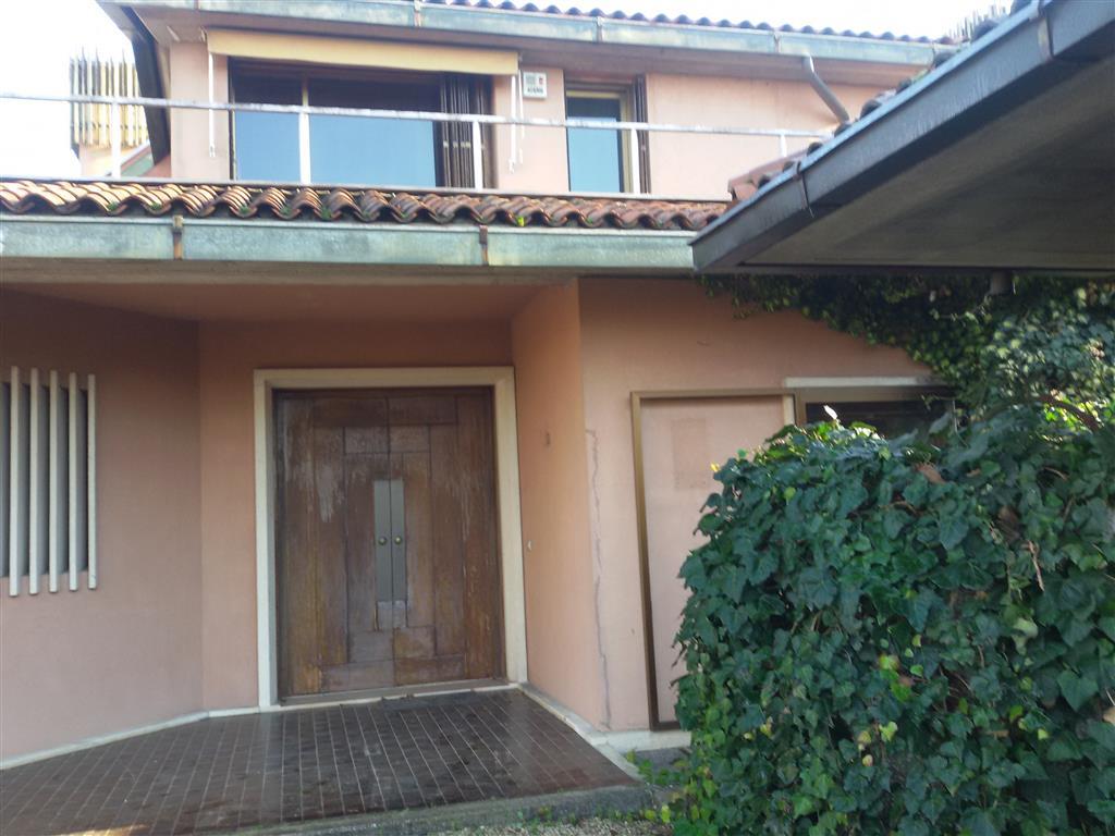 Villa in vendita a Arcugnano, 10 locali, prezzo € 600.000 | CambioCasa.it