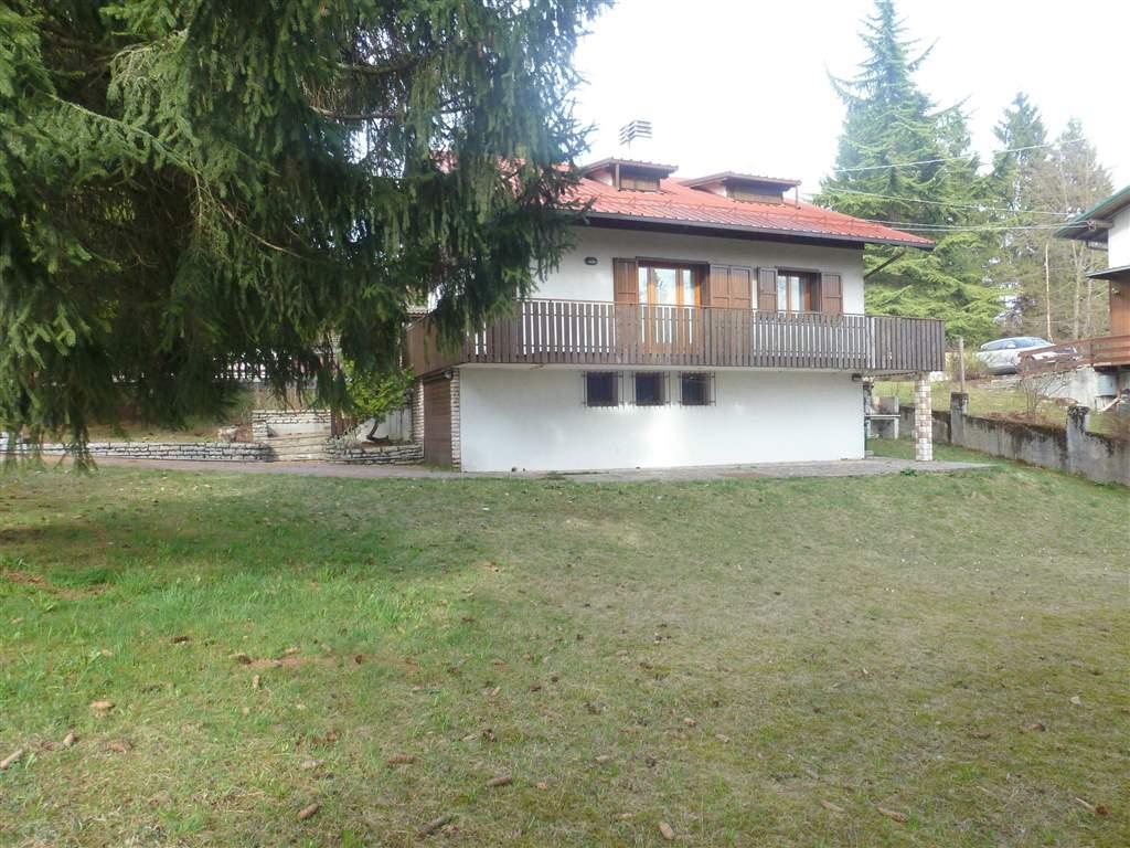 Villa in Vendita a Roana