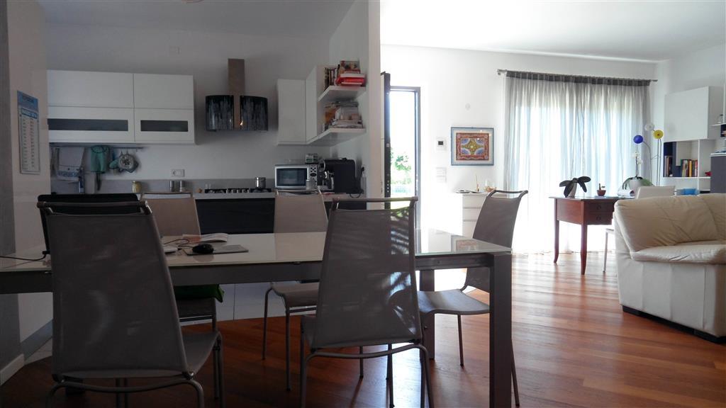 Villa a Schiera in vendita a Zanè, 8 locali, prezzo € 320.000 | Cambio Casa.it