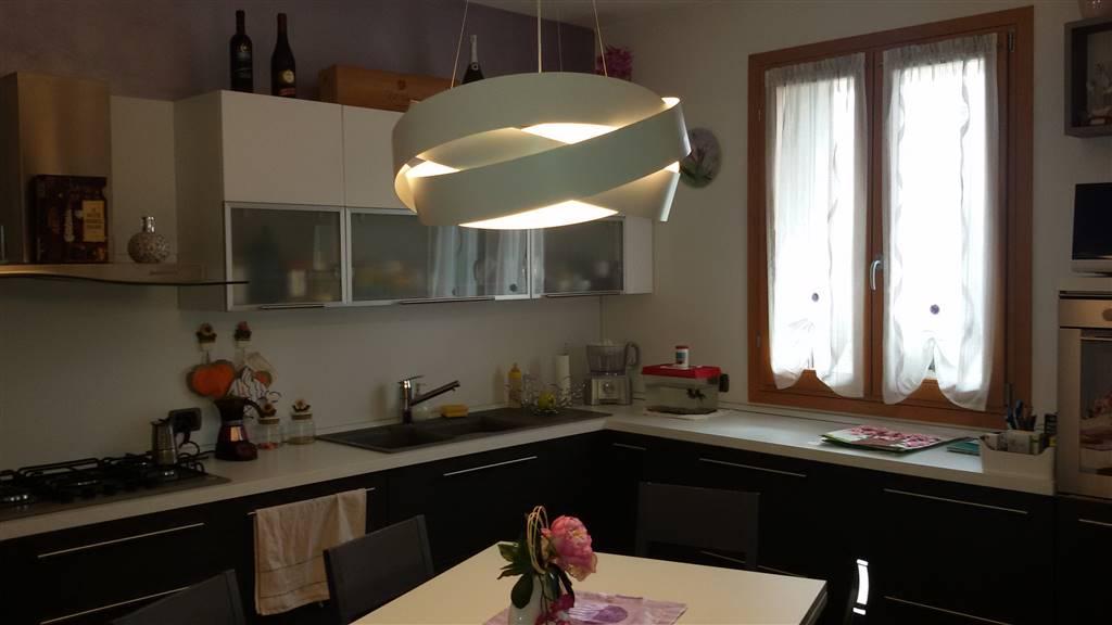 Appartamento in vendita a Marano Vicentino, 3 locali, prezzo € 145.000 | Cambio Casa.it